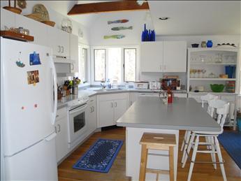 Wonderful Kitchen with Island