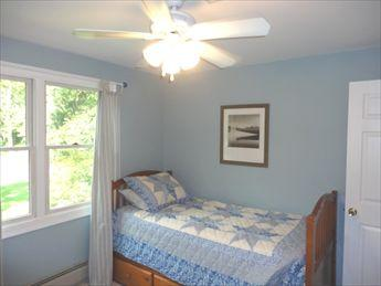 Bedroom with twin bed and trundle