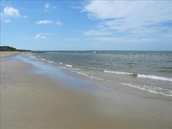 Kingsbury Beach