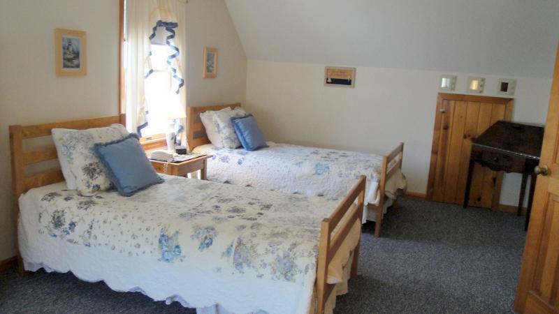 Second Floor - Twin Bedroom