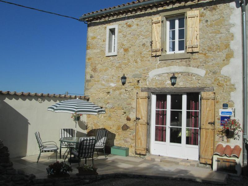 Chez Grady French holiday Cottage near Carcassonne, holiday rental in Carcassonne Center