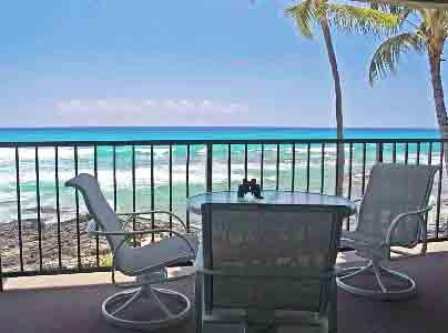 Large Private Lanai on the Oceans Edge