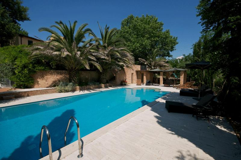 Luxury Villa Tuscany pool, tennis court private, vacation rental in Capannoli