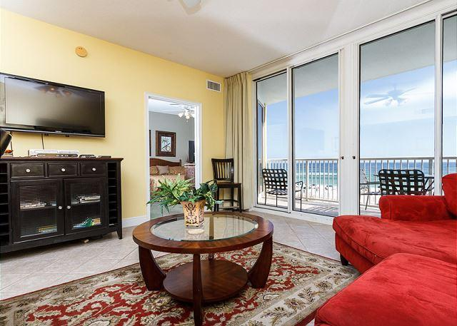 Bright and cheery 3rd floor unit with amazing features