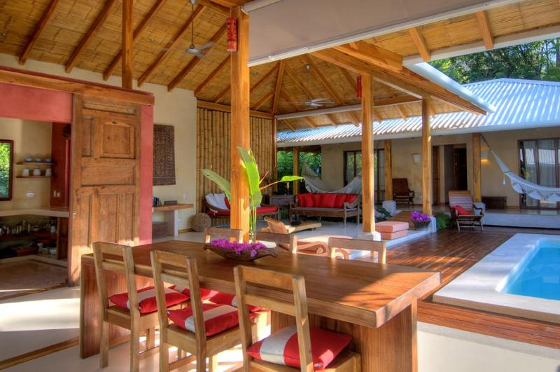 Batik Blue new luxury beach villa in Playa Hermosa, holiday rental in Cobano