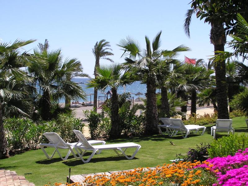 Las Canas Beach 3  bed  luxury apartment Marbella, holiday rental in Marbella