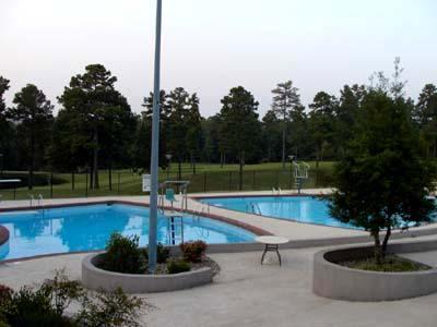 Desoto outdoor pool (15 minutes away)