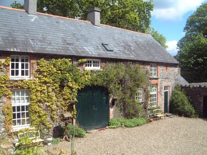 Mount Cashel two Lodges - sleeps 5 each