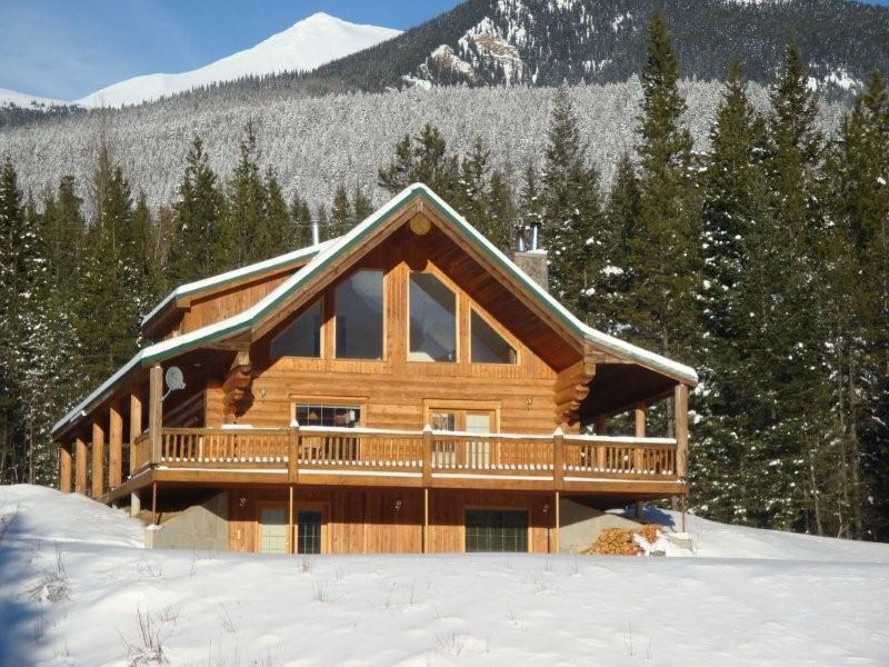 Winter at Packsaddle Creek Lodge