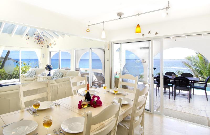 Salle à manger panoramique.