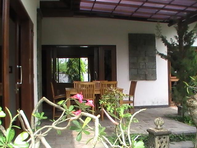 covered terrace Biru