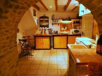 All kitchen equipment & appliances supplied