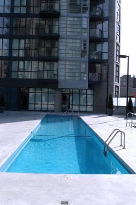 COMFYSUITES: Bravo Suite (Outdoor Swimming Pool)