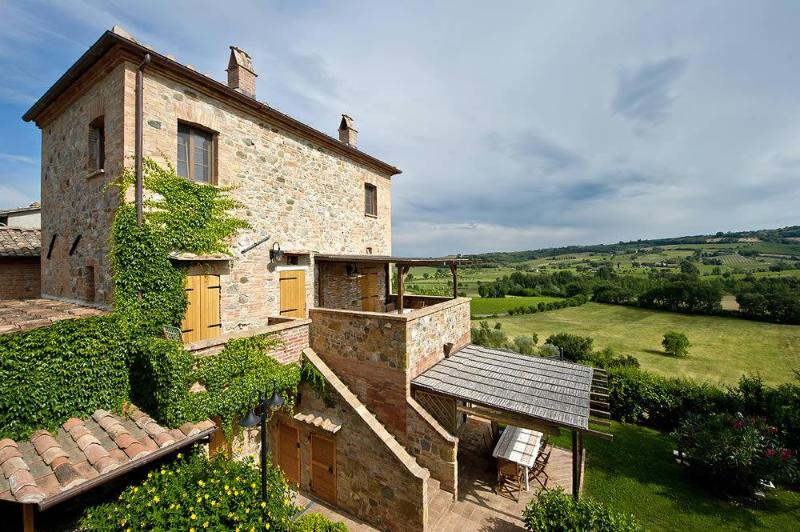 Tigli #2, apt Montepulciano area for 5 persons with A/C, Wi-Fi and swimming pool, location de vacances à Montepulciano