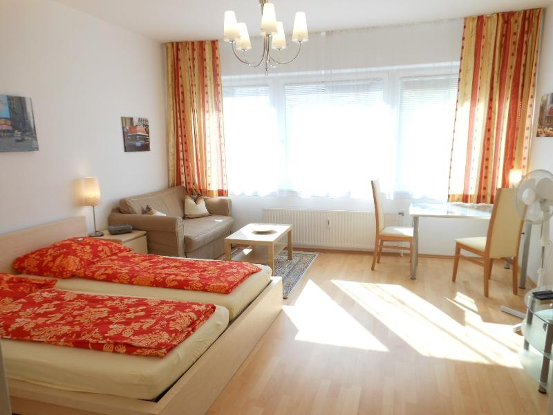 Prime City Center location - near State Opera - Cozy Studios – semesterbostad i Wien