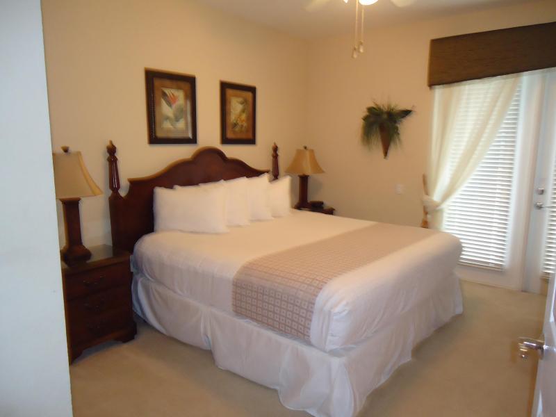 1st Floor King Master Bedroom