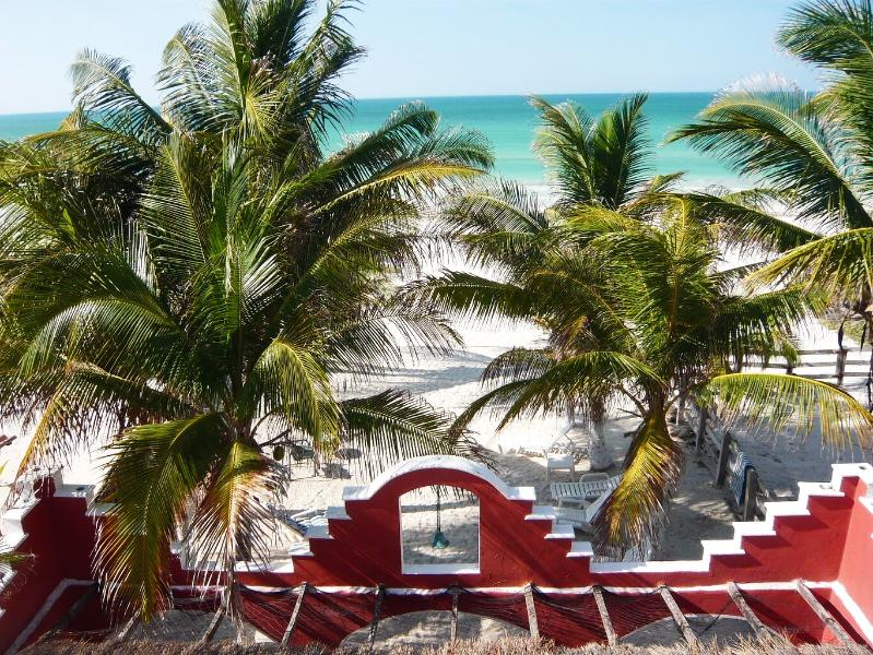 1 Bedroom Beachfront  Hacienda del Cuyo, 1st Floor,4 Guests, vacation rental in El Cuyo