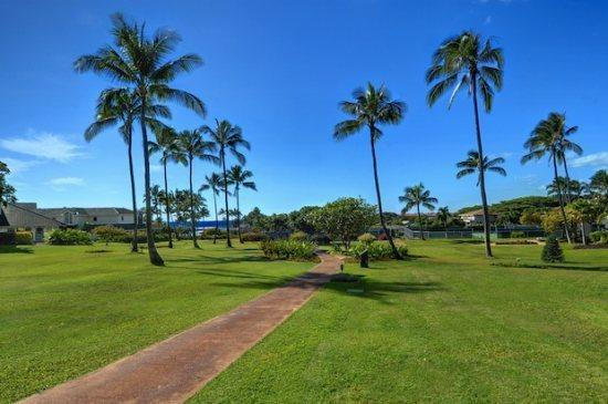 Poipu Kai Greenbelt - Walk to 3 Beaches.