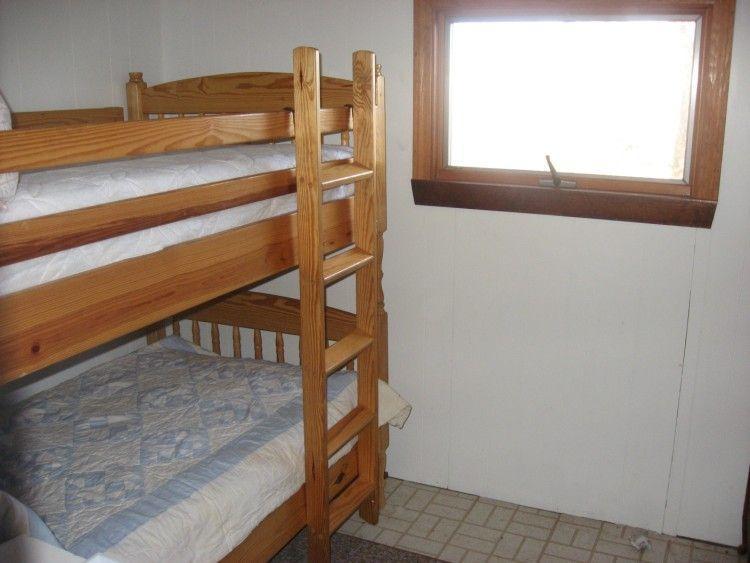 Slaapkamer met stapelbedden