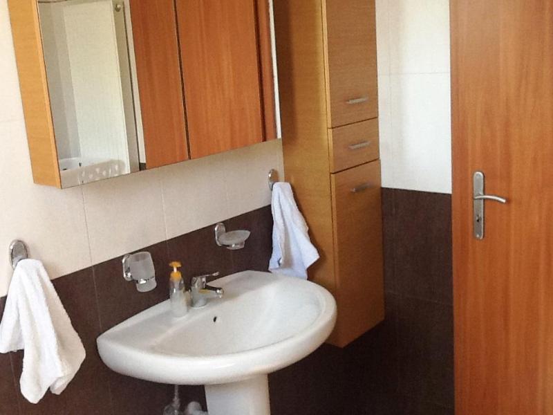 Helidonia Villas, KIMON: spacious bathroom at the bedrooms, washing machine & bath
