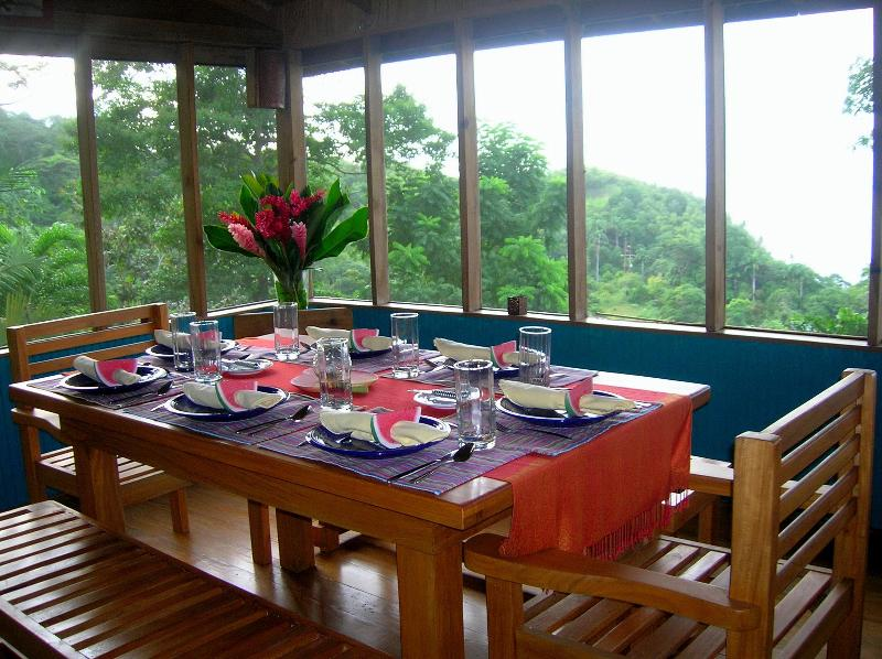 Screened seaview dining