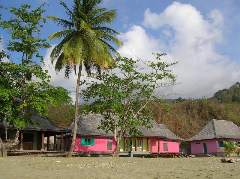 Bloody Bay beach facilities