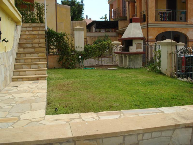 Back/Lower garden