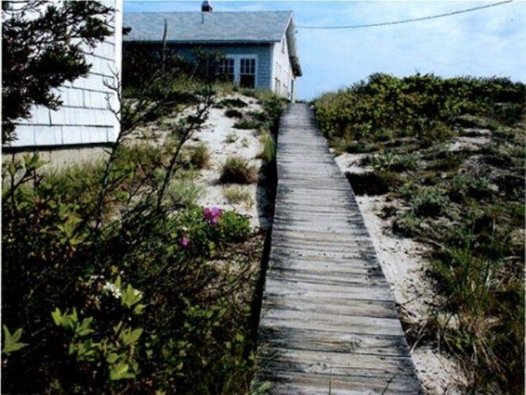 Private pathway to beach