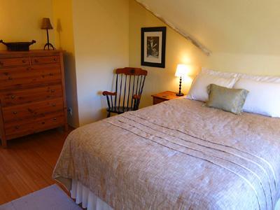 Villa Tranquila, Queen Bedroom with Views, Couples Retreat