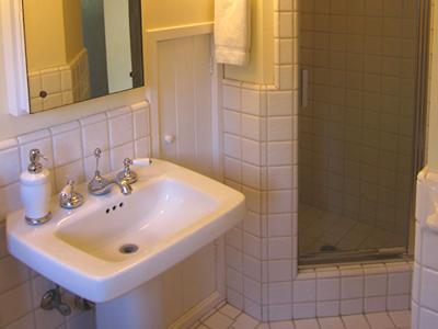 Villa Tranquila, Upstairs Bath, Luxury Vacation Rental