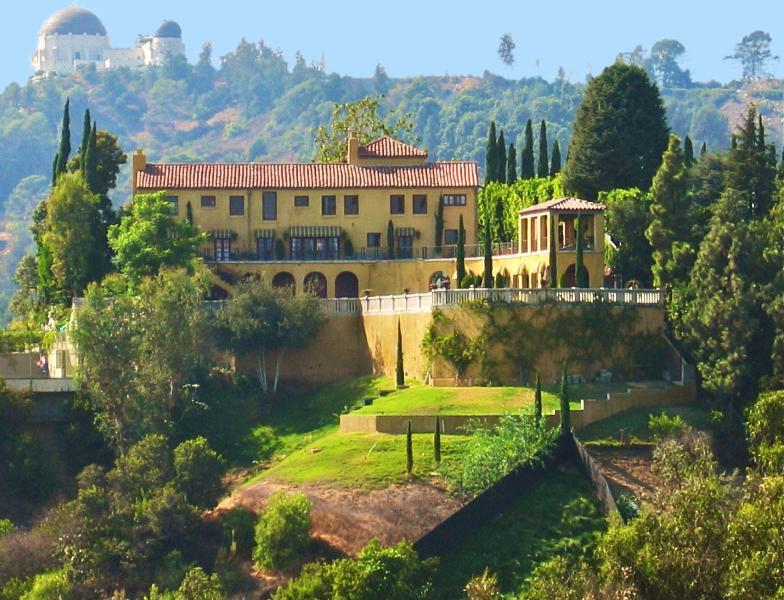 La Villa Sophia à Los Feliz avec l'Observatoire Griffith derrière. Film et de la photographie emplacement.