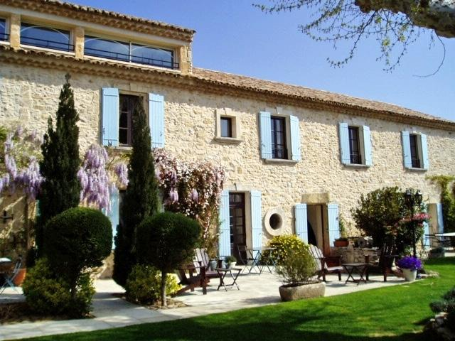 The Trellis Villa Holiday House rental in Provence, vacation rental in Roquemaure