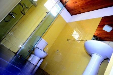Een douche met heet water is altijd welkom op elk moment van de dag
