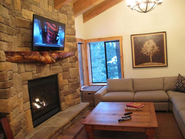 Village Treehouse-II, 5-Star Homes at Gondola Village, vacation rental in Mammoth Lakes