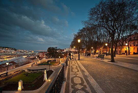 Vue sur Lisbonne, du Mirador S. Pedro Alcantara