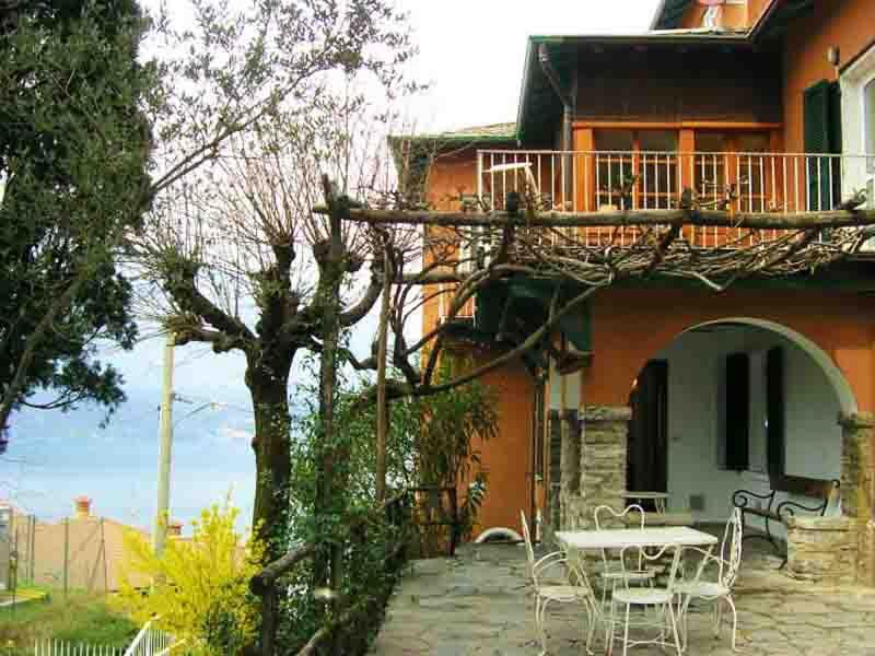 Casa Rossore Casa Rossore, holiday rental in Vezio