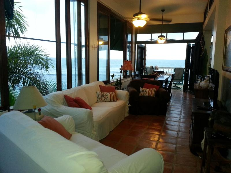 Shacks / Jobos Beach, Two Beachfront Villas in Is, holiday rental in San Antonio