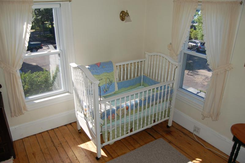 crib in South East bedroom