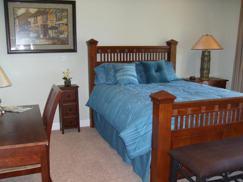 Dormitorio principal en Suite con escritorio & Slider a cubierta inferior