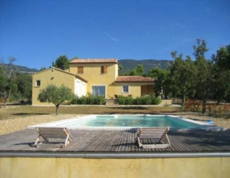 Cucuron 3 Bedroom Villa Rental in Luberon, vacation rental in Cucuron