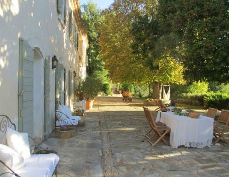 Holiday rental French farmhouses / Country houses Sud Luberon (Vaucluse), 340 m², 6 250 €, aluguéis de temporada em Saint-Martin-de-la-Brasque