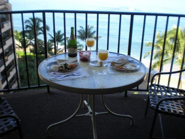 Breakfast & Mimosas on 1001 Lanai