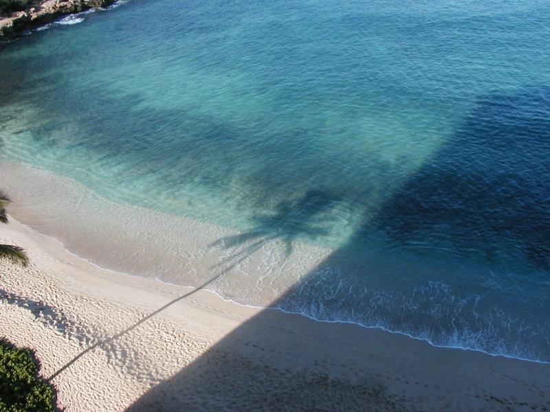 Vista playa de lanai mirando hacia Lahilahi Pointi