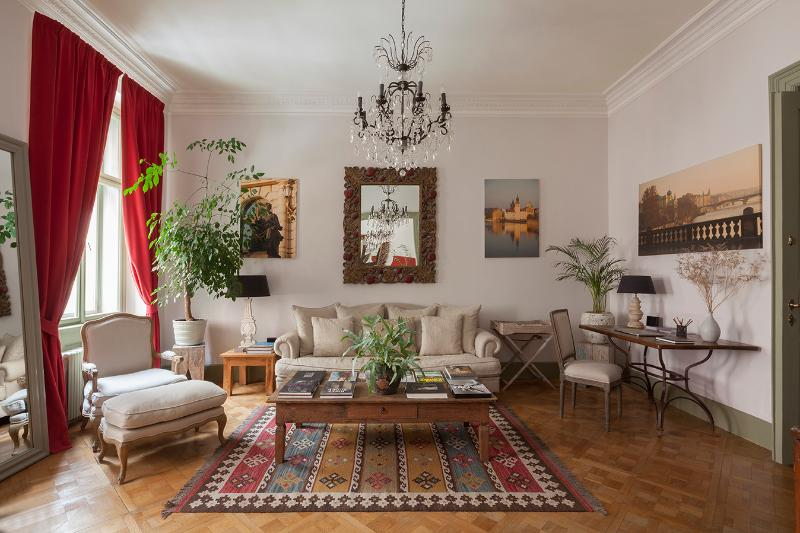 Luxurious Boutique Apartment, holiday rental in Prague