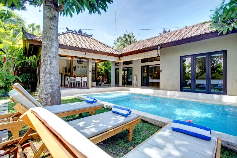 Villa Sitara, Seminyak - serene, chic pool villa, holiday rental in Kuta District