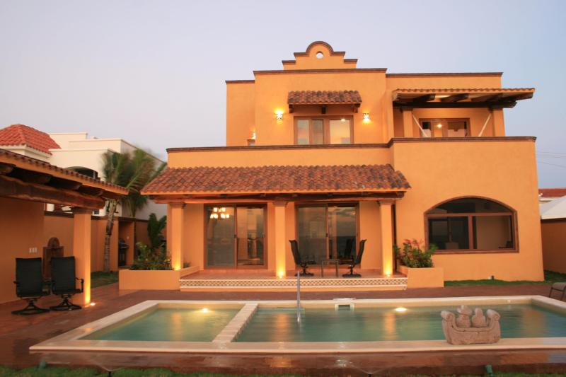 Villa Mango Sunrise: view from beach