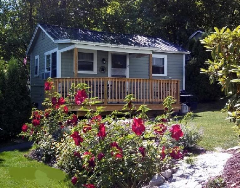 Lakeview House & Cottages - Weirs Beach, aluguéis de temporada em Laconia