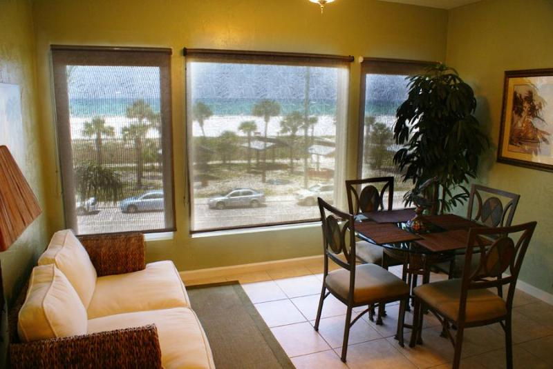 Enclosed Lanai (Side windows are screened) Open up the windows to enjoy soft beach breezes.