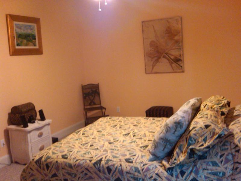 pineapple bedroom