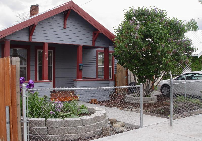 Make yourself at home in this cozy 1910 Craftsman Style Bungalow in Historic Baker City, Oregon